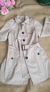 $200 Banana republic trench coat sz M